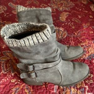 Cute grey boots